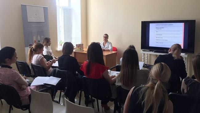 обучение в центре Данимед дерматовенерологов-ординаторов СЗГМУ им.Мечникова